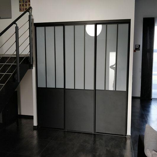 portes de placard coulissantes pivotantes ou pliantes kazed. Black Bedroom Furniture Sets. Home Design Ideas